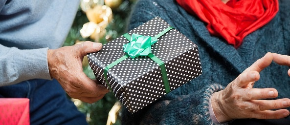 Christmas Gifts for a Parent With Alzheimer's