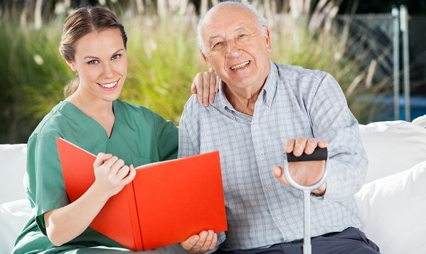 How In-Home Care Can Reduce the Risk of Hospital Readmission