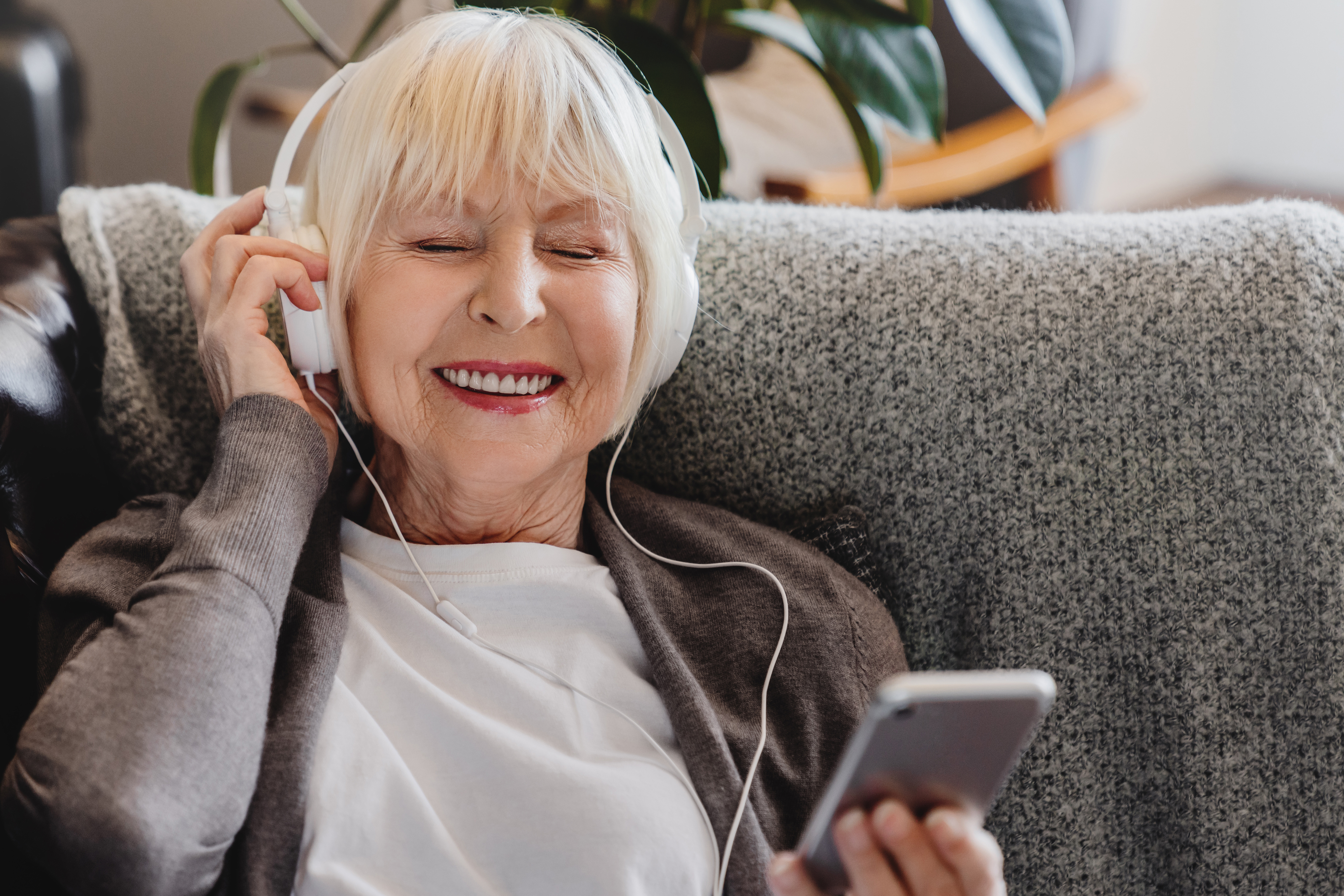 How to Decrease Stress for Seniors with Dementia