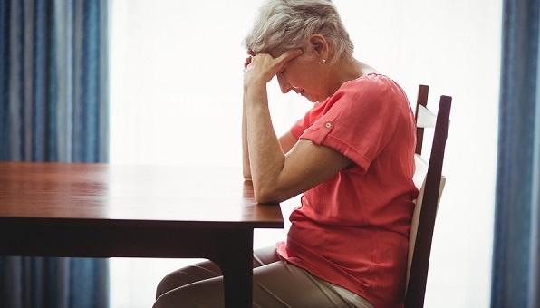 Ways to Help Seniors Socialize and Avoid Isolation
